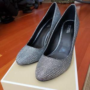Michael Kors Black / Silver Heels Pumps 6.5